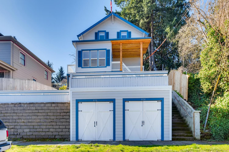 616-SE-11th-St-Oregon-City-OR-large-002-011-Exterior-Front-1500x995-72dpi
